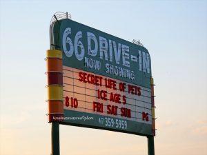ルート66ドライブインシアター